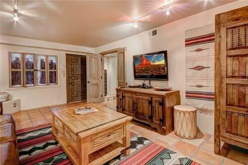 Plaza Splendor - Three Bedroom Home, Santa Fe