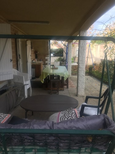 Apartment With one Bedroom in Beaune, With Enclosed Garden and Wifi, Côte-d'Or