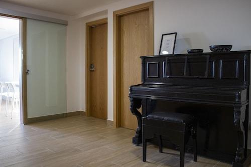 Central Suites 3, São João da Madeira