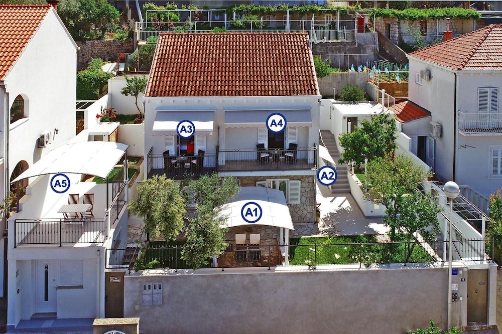 Nika Family Apartments
