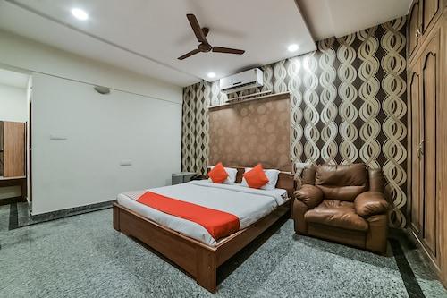 OYO 13498 Infinity Service Apartments, Ranga Reddy