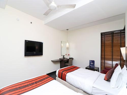 OYO 24067 Hotel Royal Paradise, Kota
