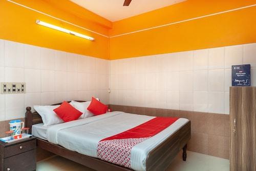OYO 23455 Varsha Residency, Puducherry