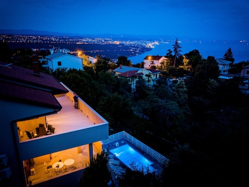 Apartment With 2 Bedrooms in Opatija, With Pool Access, Furnished Balc, Opatija/Veprinac