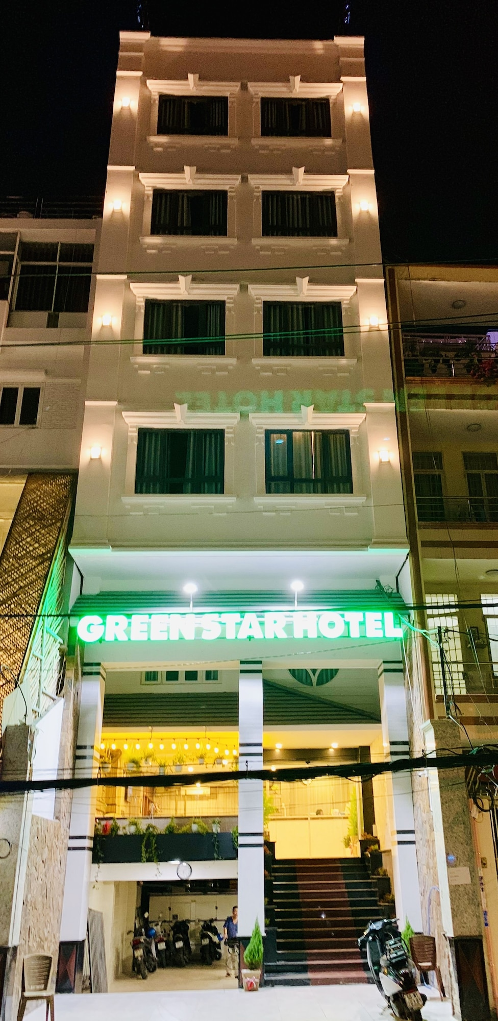 Green Star Central Hotel, Quận 1