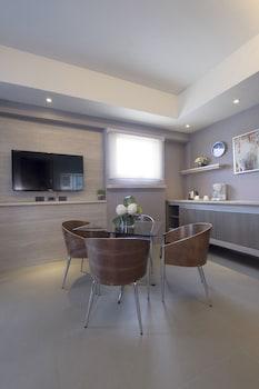 SANTORINI HOTEL Living Area