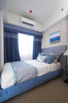 SANTORINI HOTEL Room