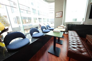 GUESTHOUSE HIROSHIMA STATION INN Lobby Sitting Area