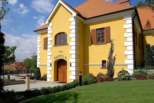 . Hotel Akademie a depandance Vila Jarmila