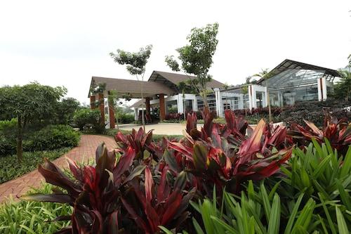 . The Ocean Pearl Resort And Spa
