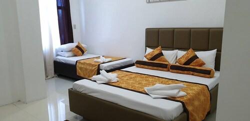 Villa Veronica Resort, Bauang