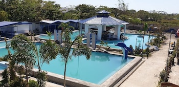 VILLA VERONICA RESORT Outdoor Pool