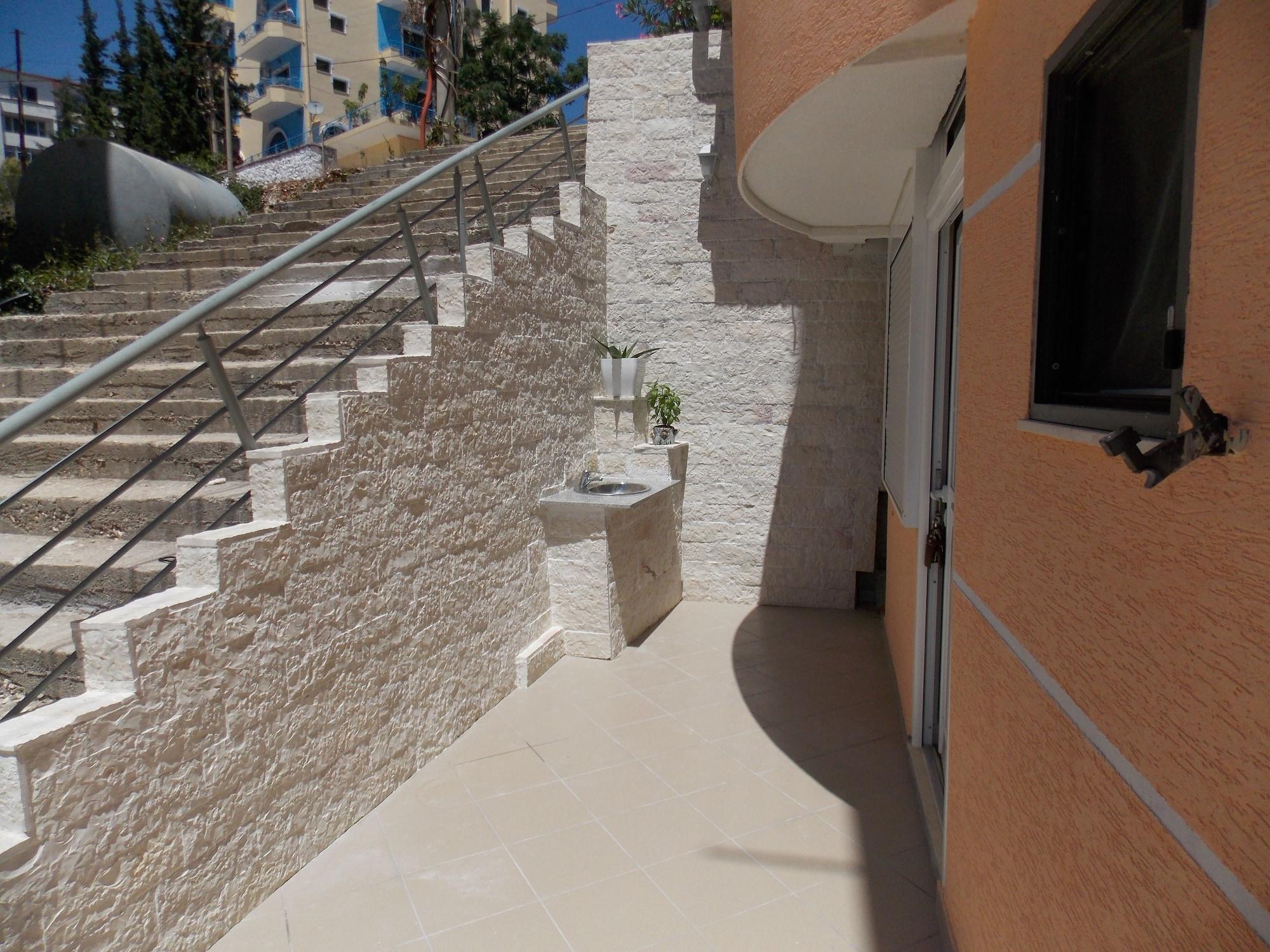 Ionian Beach Studio, Sarandës
