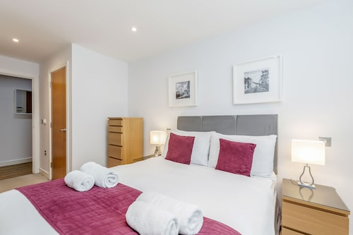 . Roomspace Apartments -Abbot's Yard