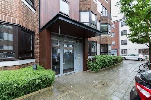 . Roomspace Apartments -Kew Bridge Court
