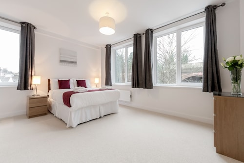 . Roomspace Apartments -Nouvelle House