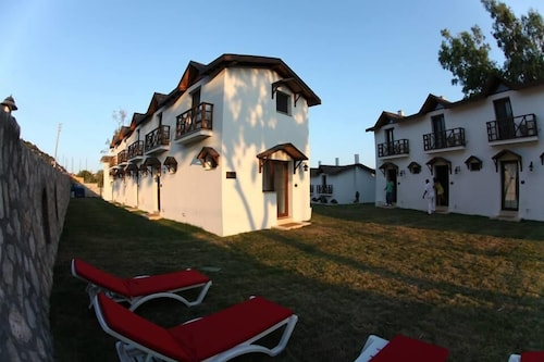 . Karaburun Mimoza Apart Hotel