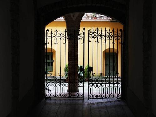 . Mario Lupo House
