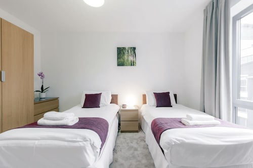 Roomspace Apartments -The Residence, Surrey