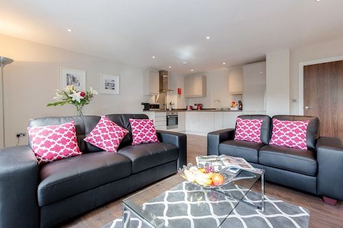 . Roomspace Apartments -Trinity House