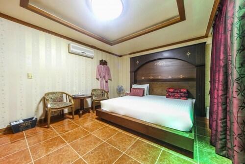 Ssan Motel Tongyeong, Tongyeong
