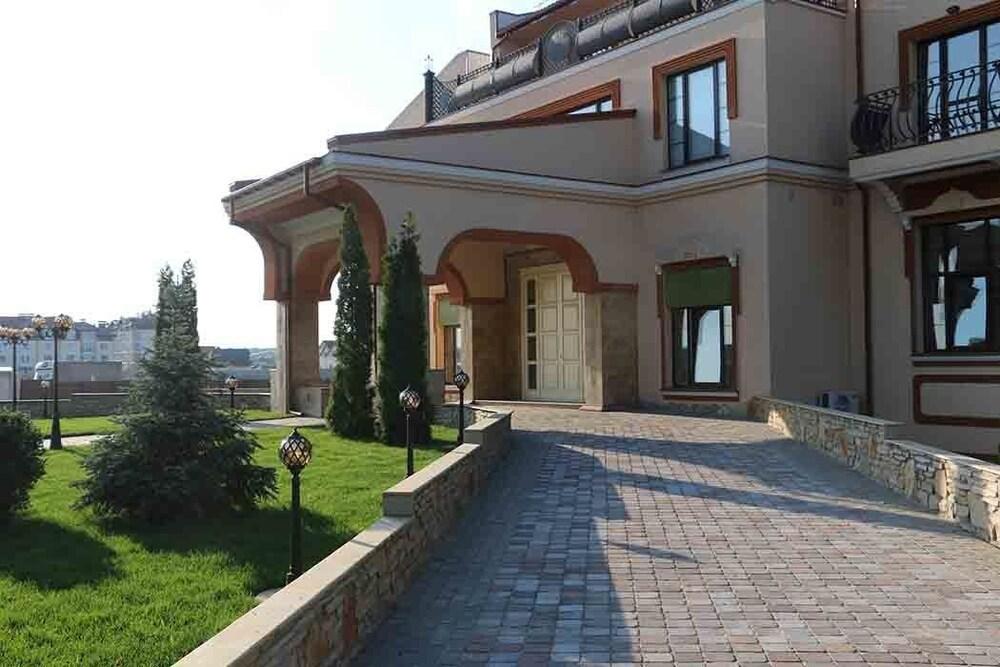 Отель Green Villa
