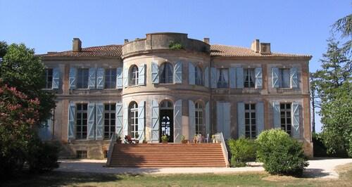 . Château de Clermont-Savès