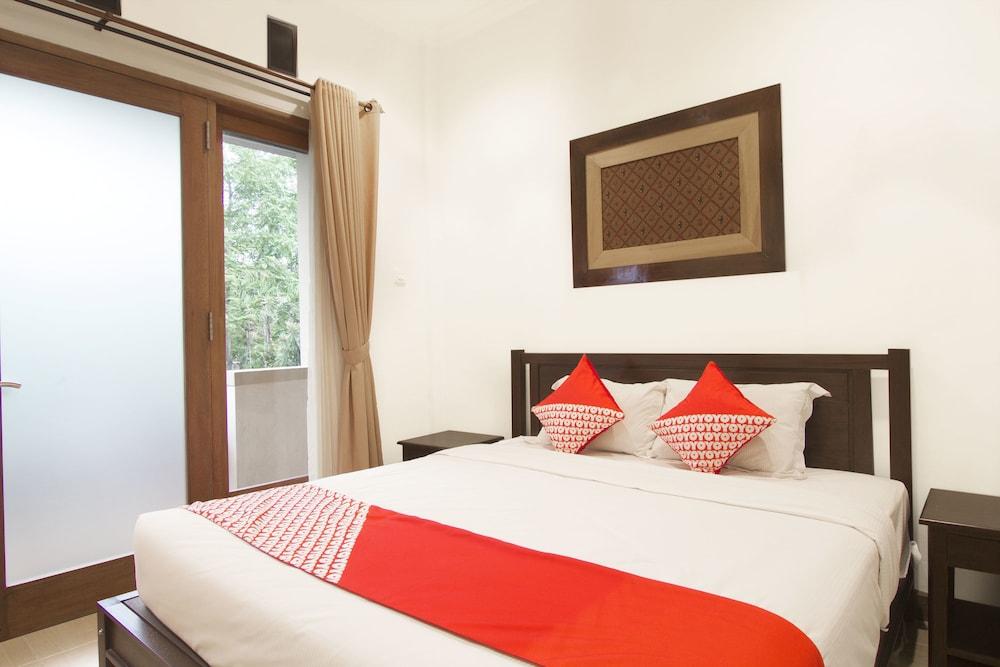 Hotel OYO 261 Sasono Putro Guest House