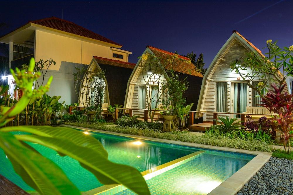 Lavella Villa's