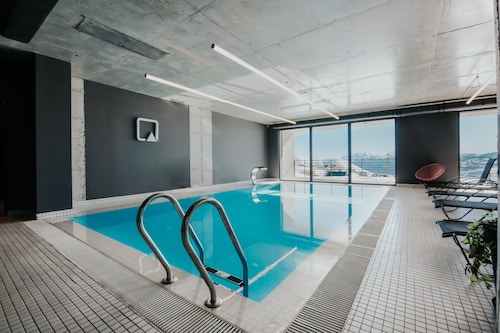 __{offers.Best_flights}__ Quadrum Ski & Yoga Resort