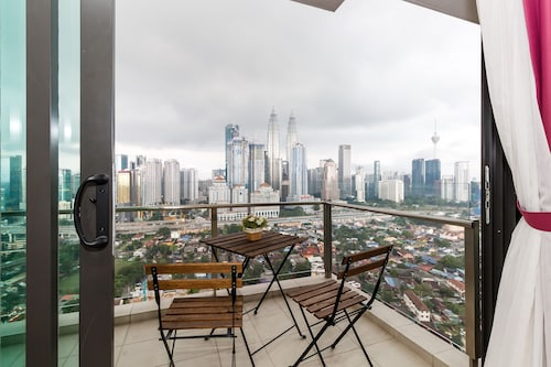 OYO 458 Home 1BR Setia Sky With Skyscrapers View from Balcony, Kuala Lumpur