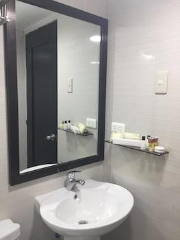 FERNVALE LEISURE CLUB AND RESORT Bathroom Sink