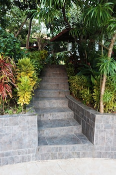 FERNVALE LEISURE CLUB AND RESORT Property Grounds