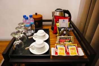 FERNVALE LEISURE CLUB AND RESORT In-Room Business Center