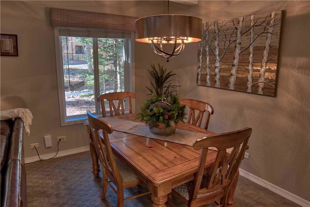 Tremendous Columbine 108 Condo Apartment 1 Breckenridge Resort Gmtry Best Dining Table And Chair Ideas Images Gmtryco