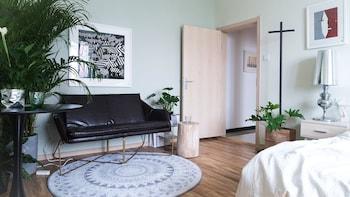 . Cactus space- Sanlitun Artistic Elegance Apartment