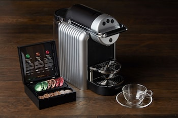 YADORU KYOTO HANARE KYOTO UMEYU NO YADO Coffee and/or Coffee Maker
