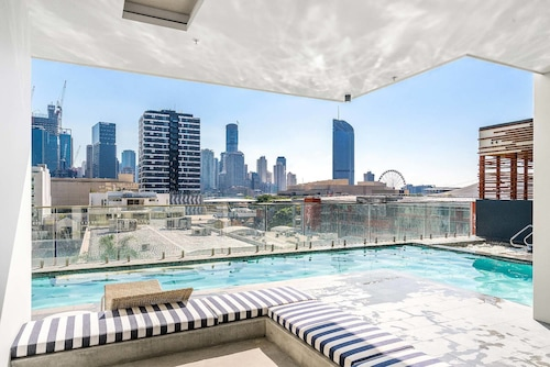 Adam + Eve - 2 Bedroom Luxury Apartment, South Brisbane