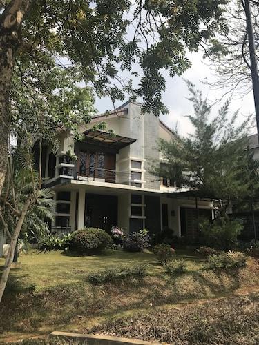 Aldeoz Dago Pakar Villa Bandung, Bandung