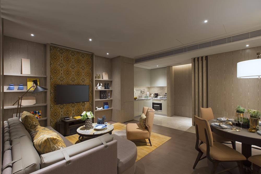 https://i.travelapi.com/hotels/34000000/33030000/33024200/33024178/5fc2a987_z.jpg