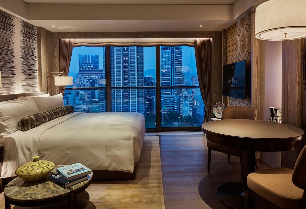 https://i.travelapi.com/hotels/34000000/33030000/33024200/33024178/b3509265_z.jpg
