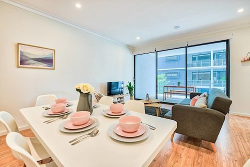 Relaxed Brisbane Apartment for Six, West End