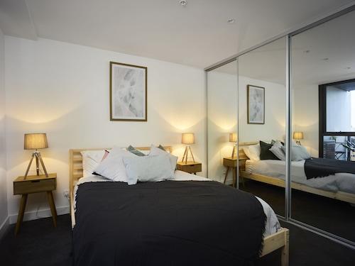 Chic Apartment in the Best Pocket of Brunswick, Moreland - Brunswick
