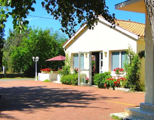 __{offers.Best_flights}__ Hôtel Le Nautile
