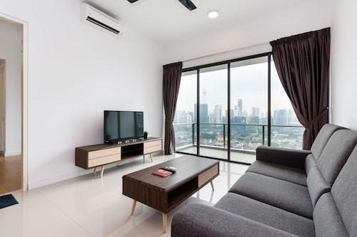 OYO 462 Home 1BR Setia Sky With Rooftop Infinity Pool, Kuala Lumpur