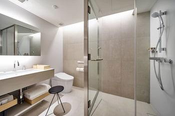 TSUKI Bathroom