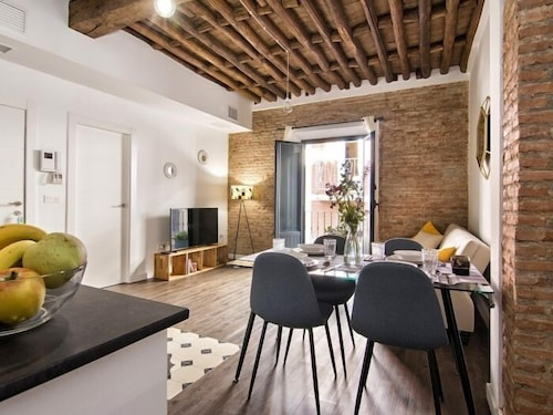Sweet and trendy nest for 6, Granada