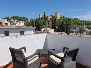 Superior Double Room (Alhambra View)