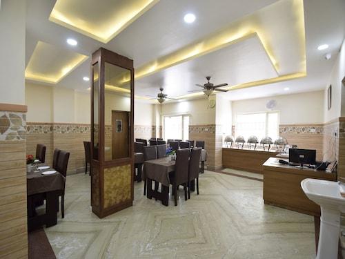 OYO 16902 Hotel The Vaishno Devi Hills, Reasi