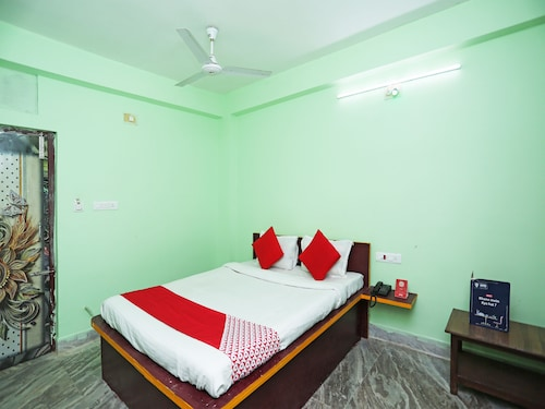 . OYO 24642 Manorama Guest House